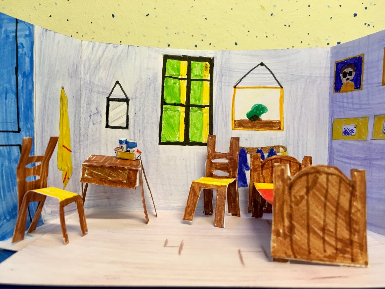 Les Cm2g Fr L 39hôtel Van Gogh La Chambre à Arles