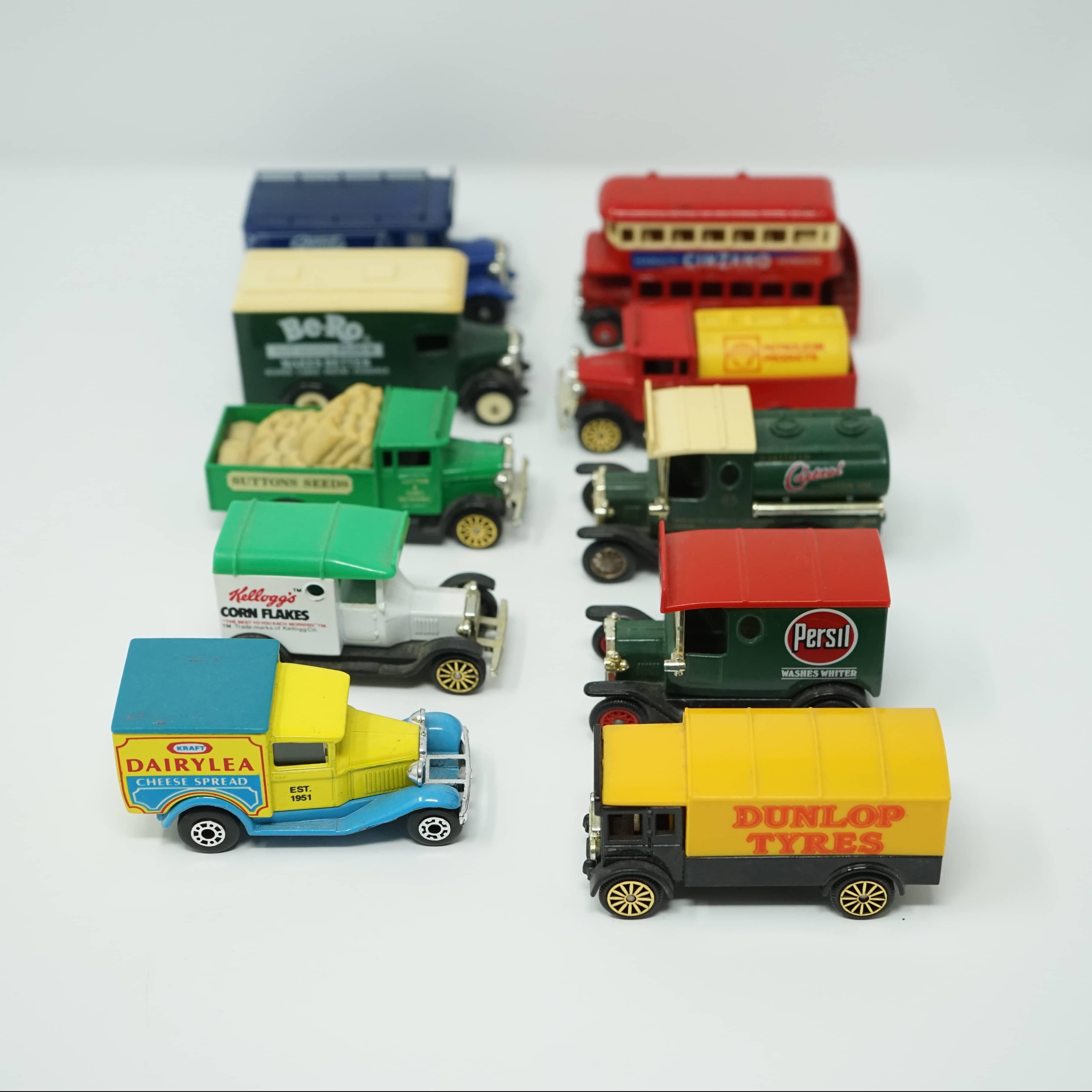 10 Camions Miniatures Publicitaires