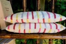 coussins-rayures-roses-1