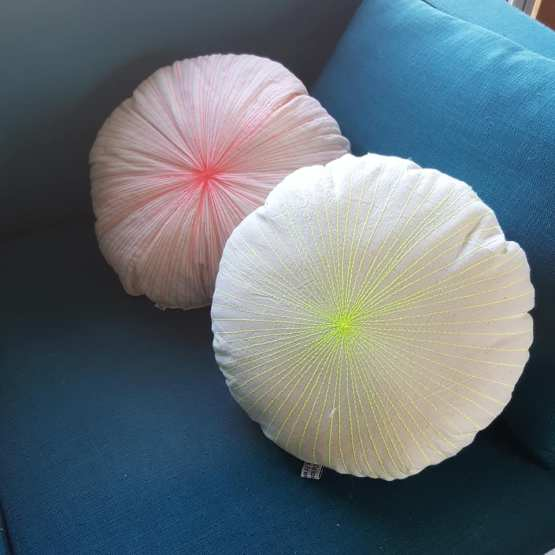 Petit coussin oursin lin ancien , broderies lignes jaune fluo.Fred Petit, french design.