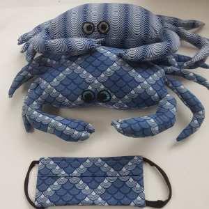 crabes-bleus-et-masque-schwe-schwe-assorti