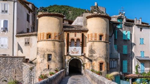 Entrevaux : Cité médiévale où séjourner l'été