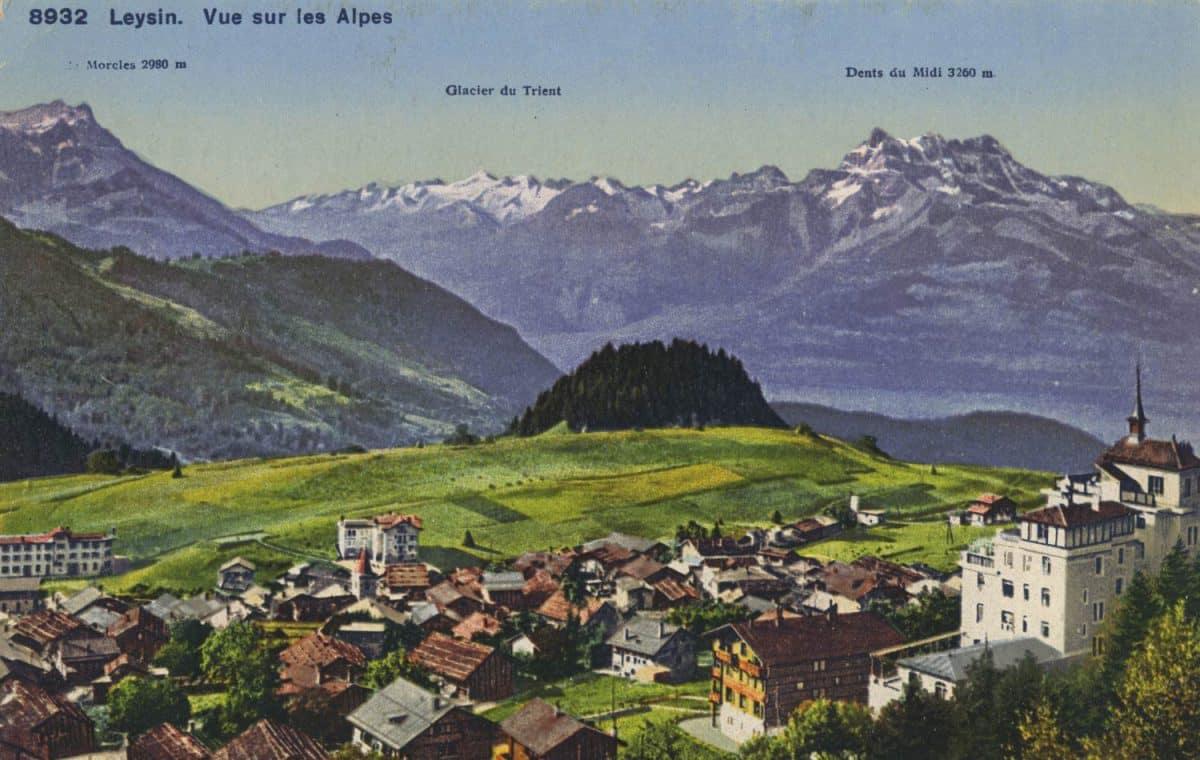 Carte postale. Leysin, vue sur les Alpes