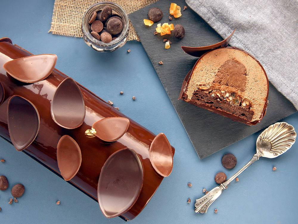 recette bûche de noël tout chocolat façon entremet avec glaçage miroir