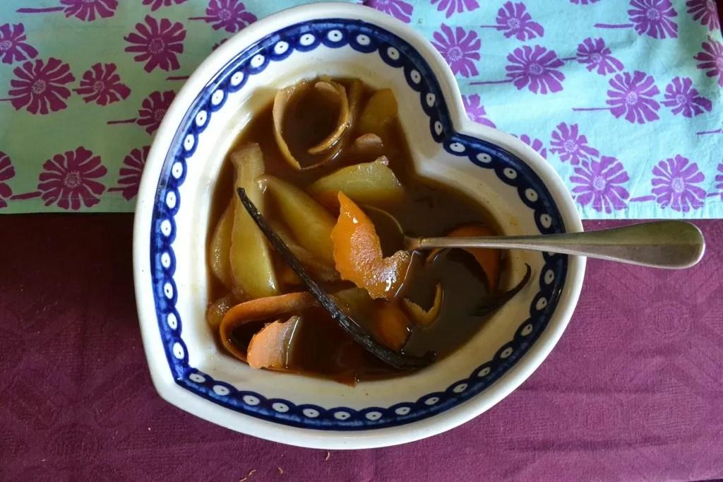 Poires pochées aux épices