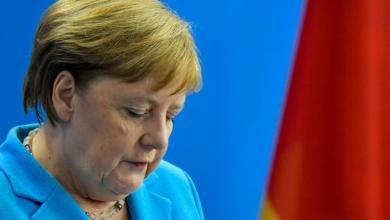 Photo de Angela Merkel explique -sans forcément convaincre- son état de santé