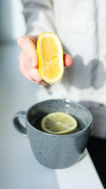 jus de citron en boisson chaude