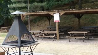 Aire de pique nique avec barbecue à disposition