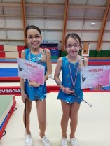Remise de médailles pour Thalia et Tycia