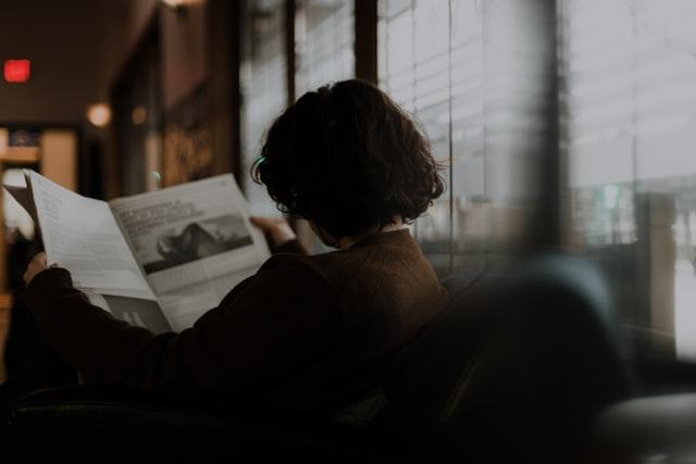 """""""Kein Ort ist fern genug"""": Im Stacheldraht der Worte"""