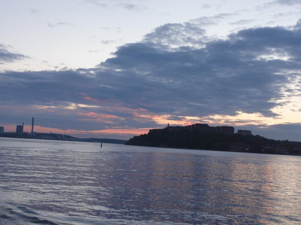 boat-cruise-stockholm-archipelago-sunset-summer