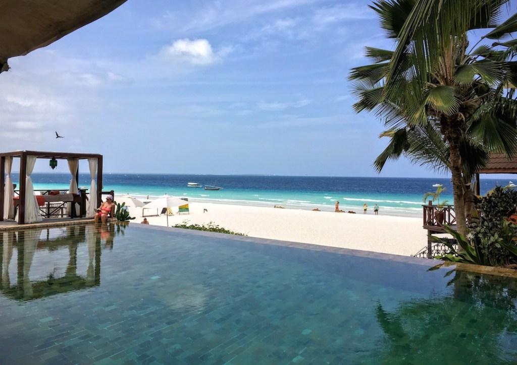 vue de la piscine du Z Hotel à Zanzibar