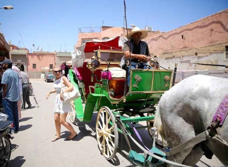 caleche-marrakech-ruelle