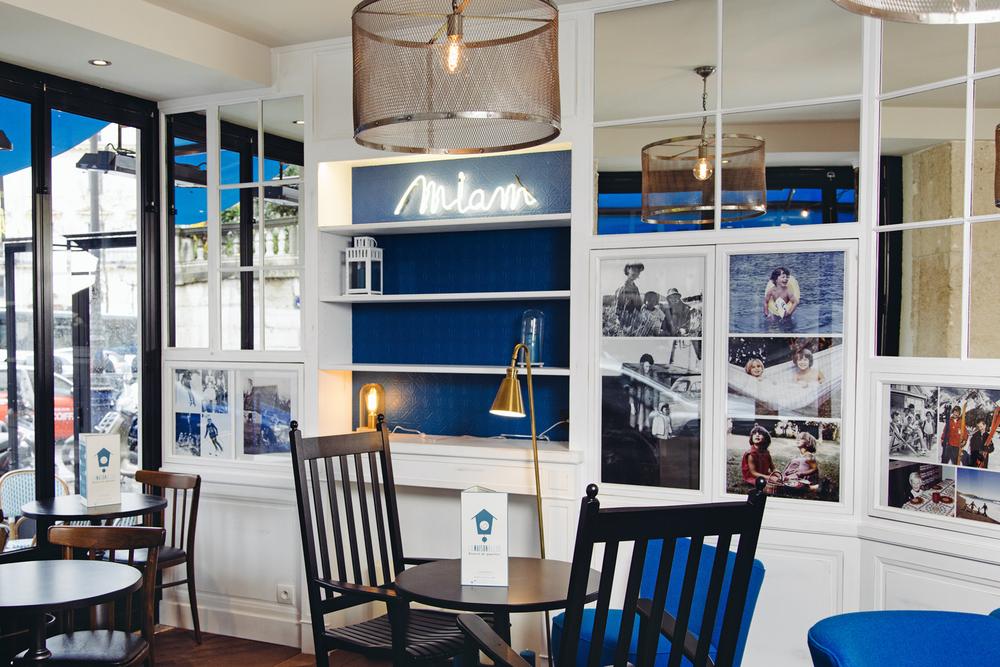 la maison bleue un restaurant comme la maison dans le 10 me. Black Bedroom Furniture Sets. Home Design Ideas