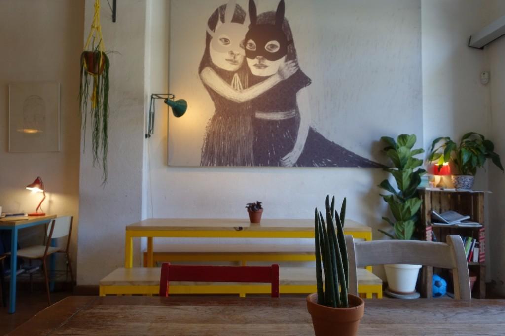 les-exploratrices-barcelone-galeria-cosmo-setting