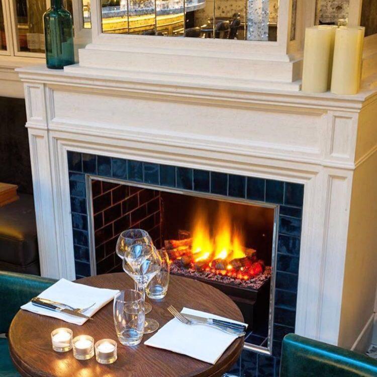 les-chouettes-restaurant-paris-exploratrices-cheminee