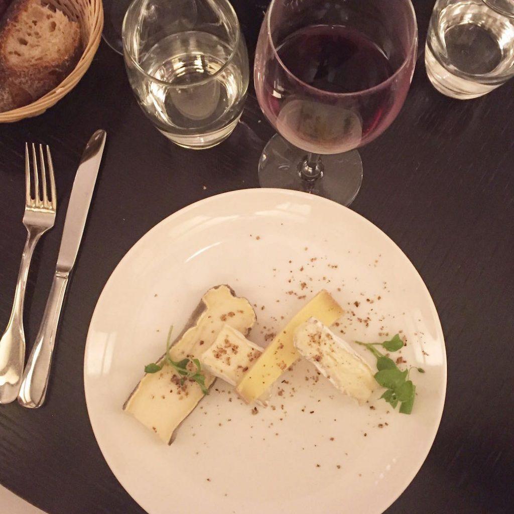 les-chouettes-restaurant-paris-plat-fromage