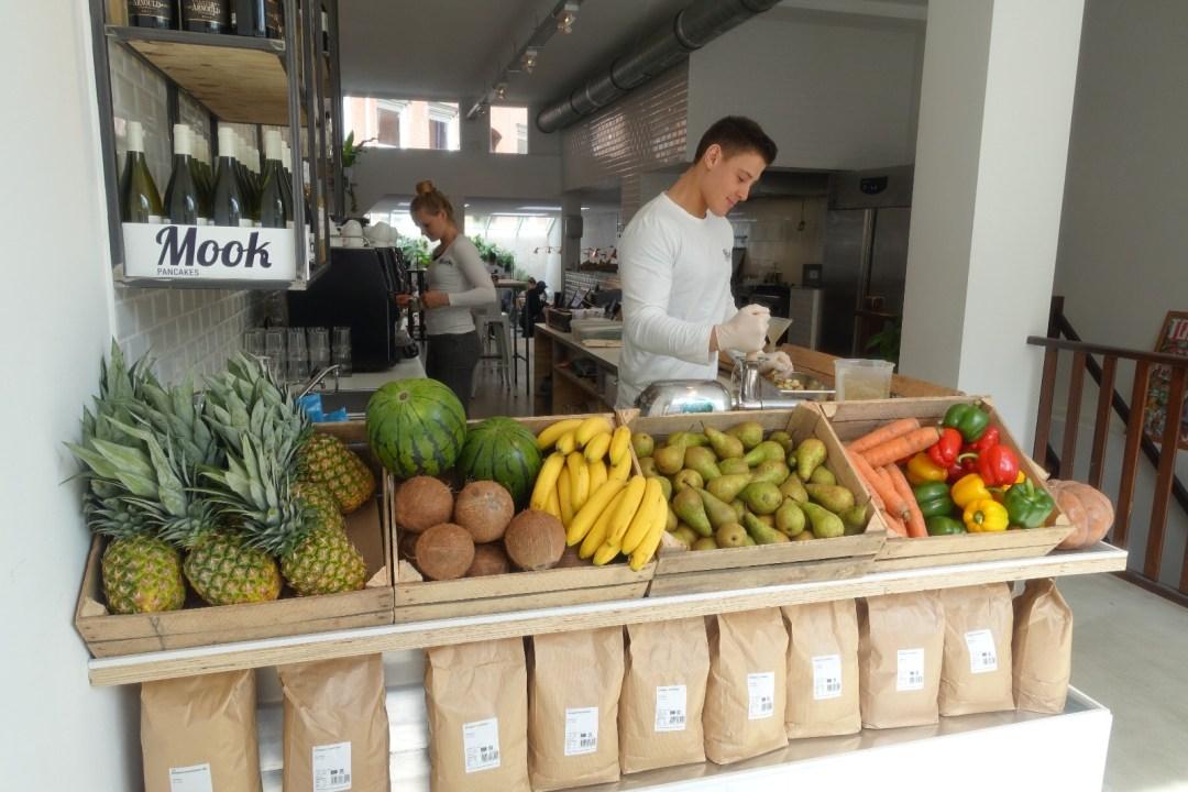 amsterdam-mook-pancakes-fruits