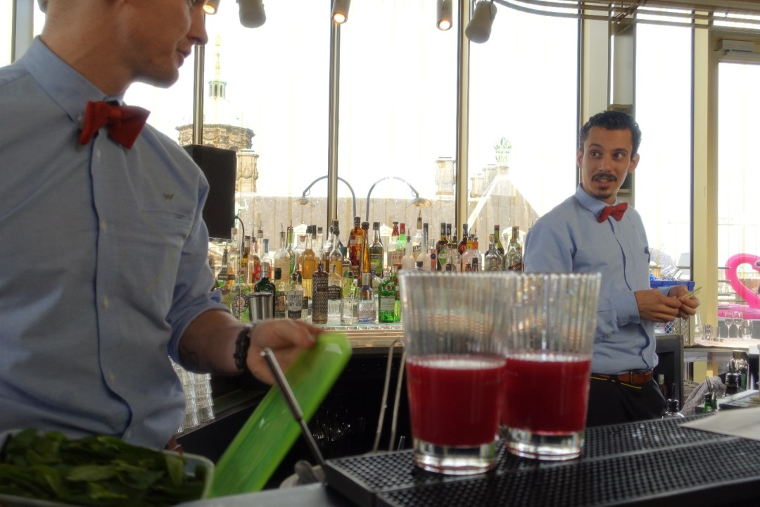 amsterdam-w-lounge-cocktail-making