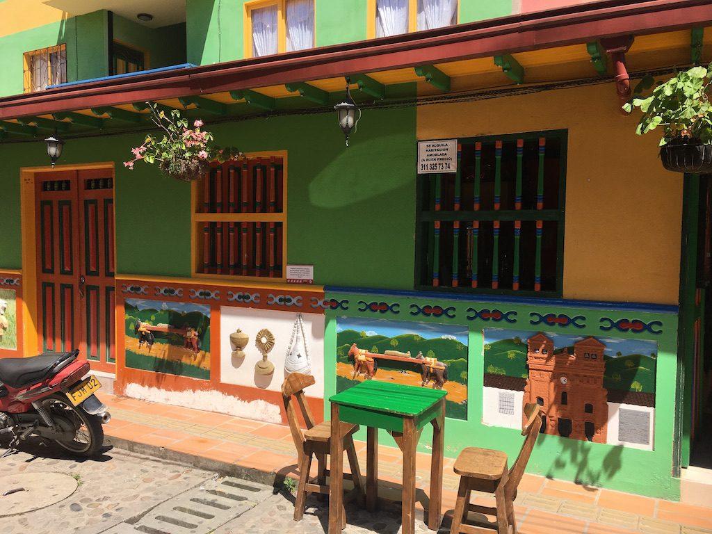 guatape-medellin-colombie