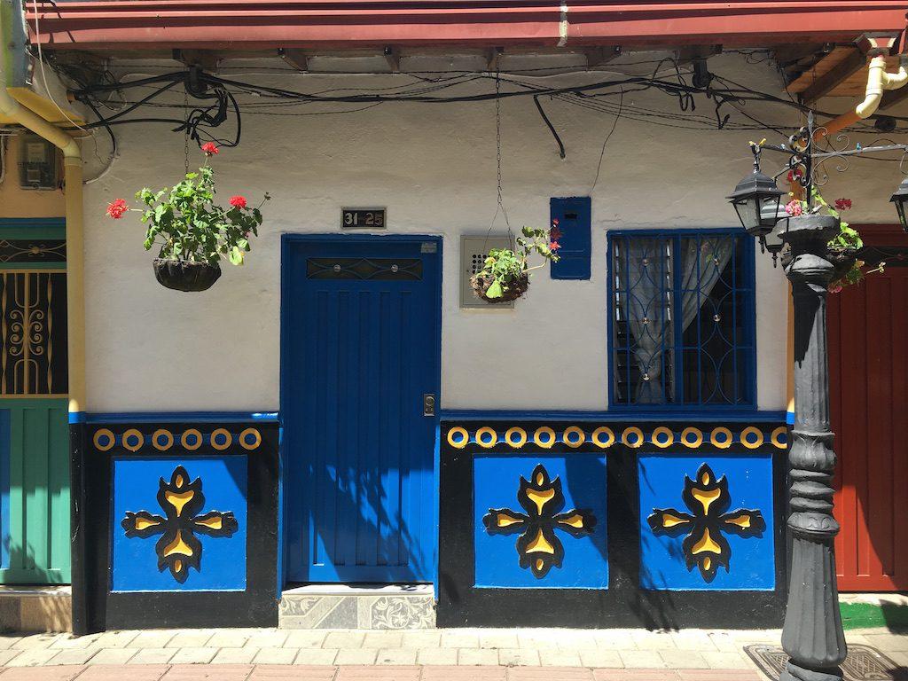guatape-village-les-exploratrices