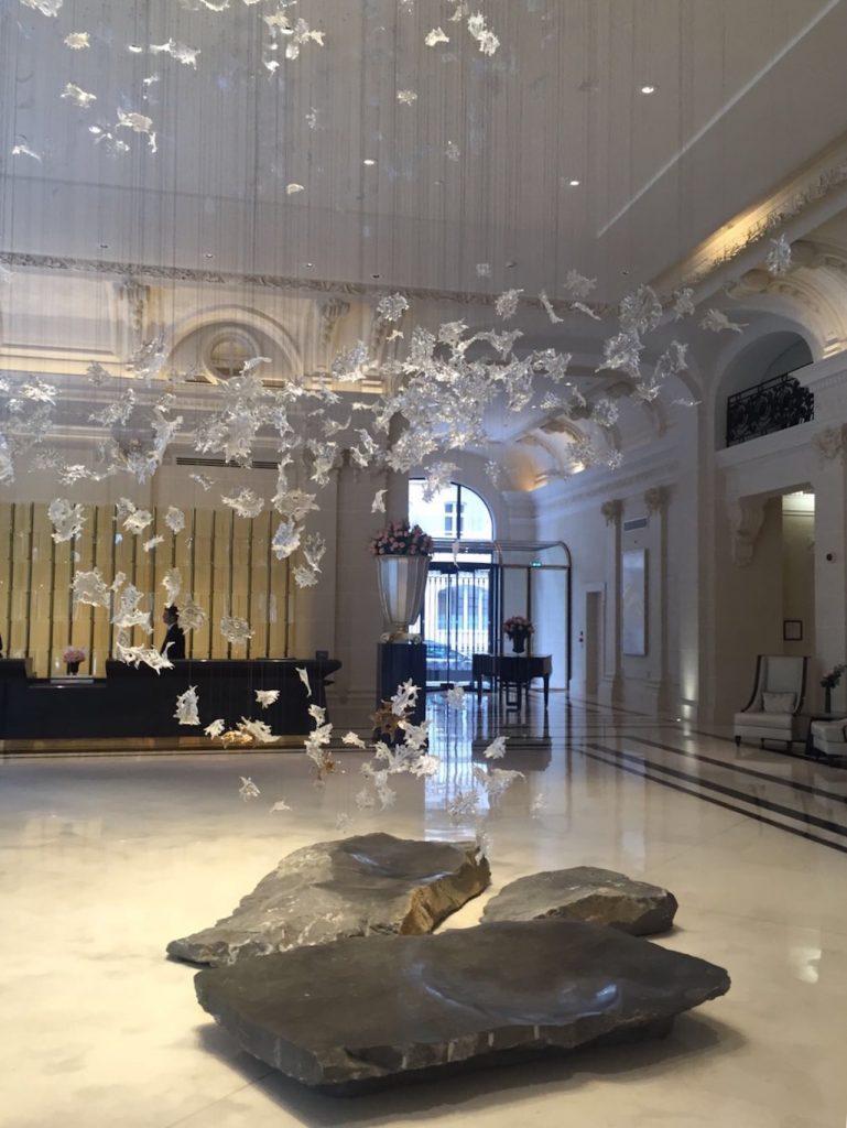 the-peninsula-loiseau-blanc-hotel-entree