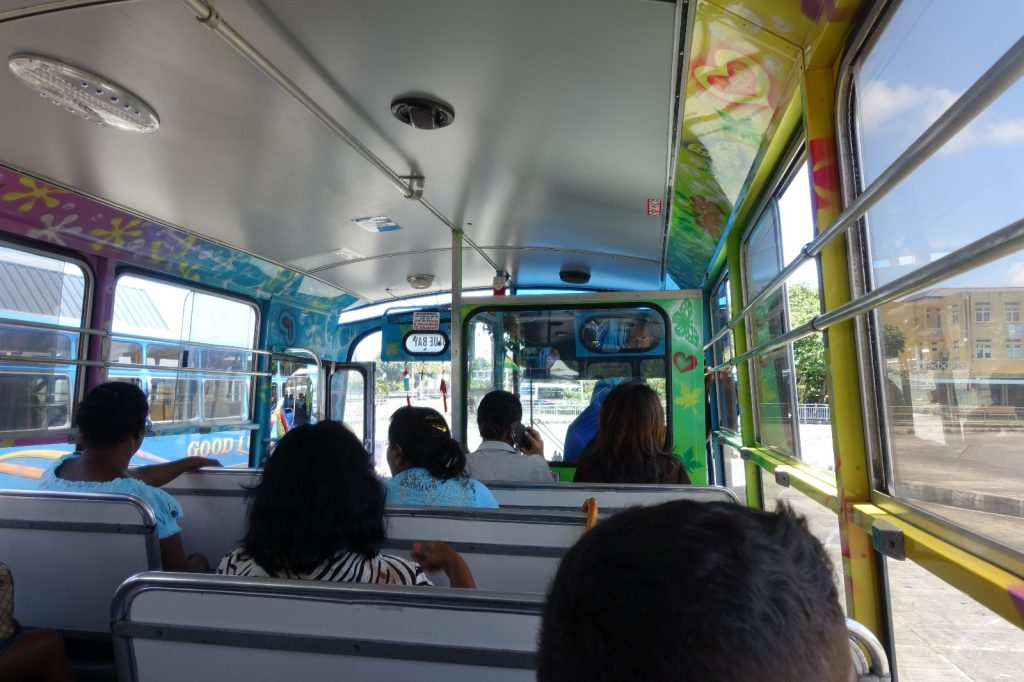 les-exploratrices-maurice-bluebay-bus