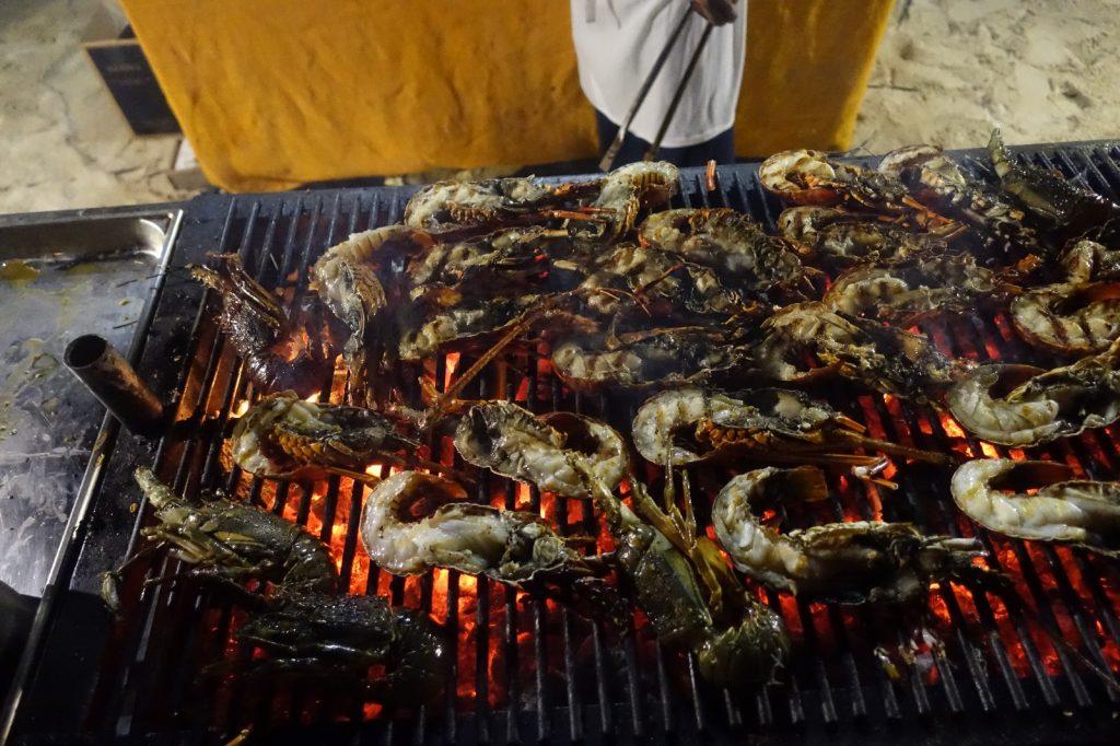 les-exploratrices-maurice-la-pirogue-seafood-barbecue-langoustes