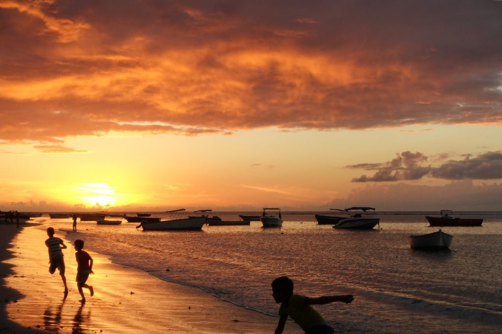 les-exploratrices-maurice-tamarin-sunset-kids