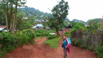 les-exploratrices-myanmar-randonnee-montagnes-hsipaw