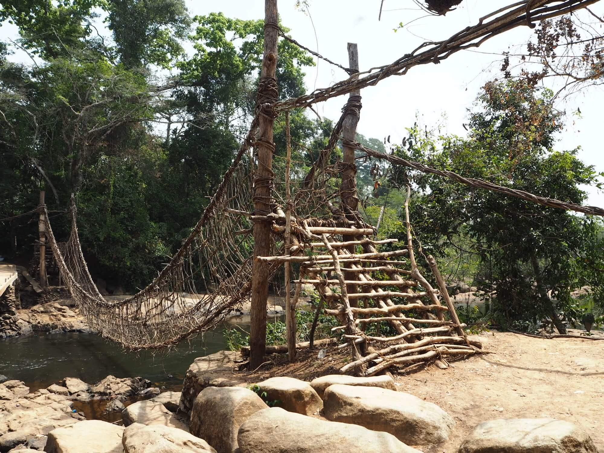 le pont suspendu de Lieupleu, une activité pour savoir quoi faire en cote d'ivoire
