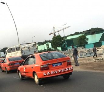 abidjan-taxi-rouge