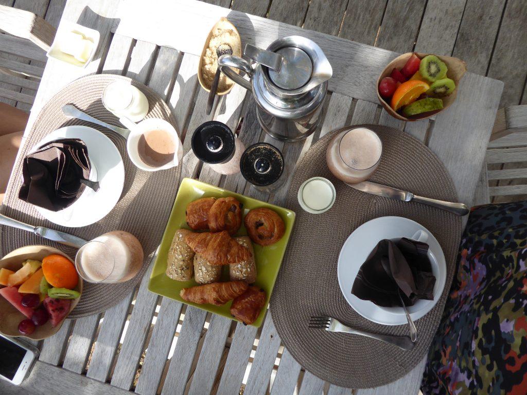Petit déjeuner hôtel plein soleil