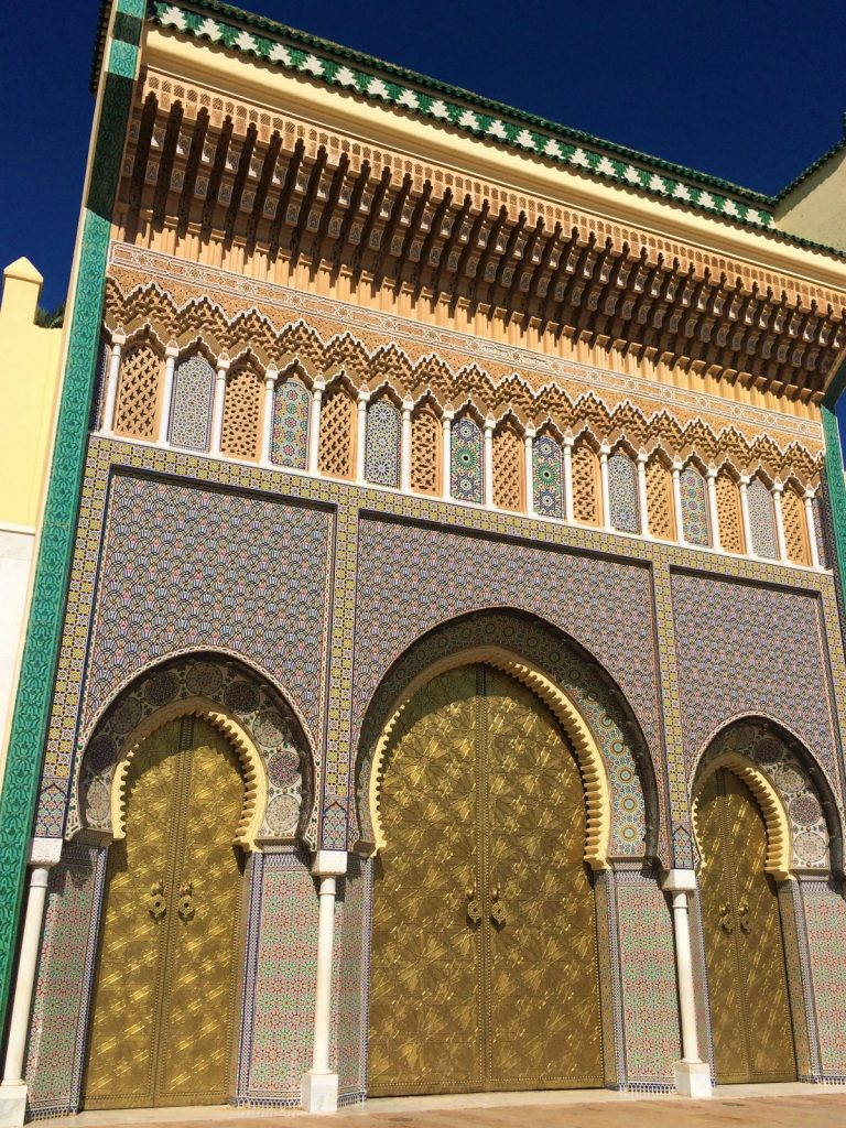 les-exploratrices-maroc-fes-palais-royal-porte
