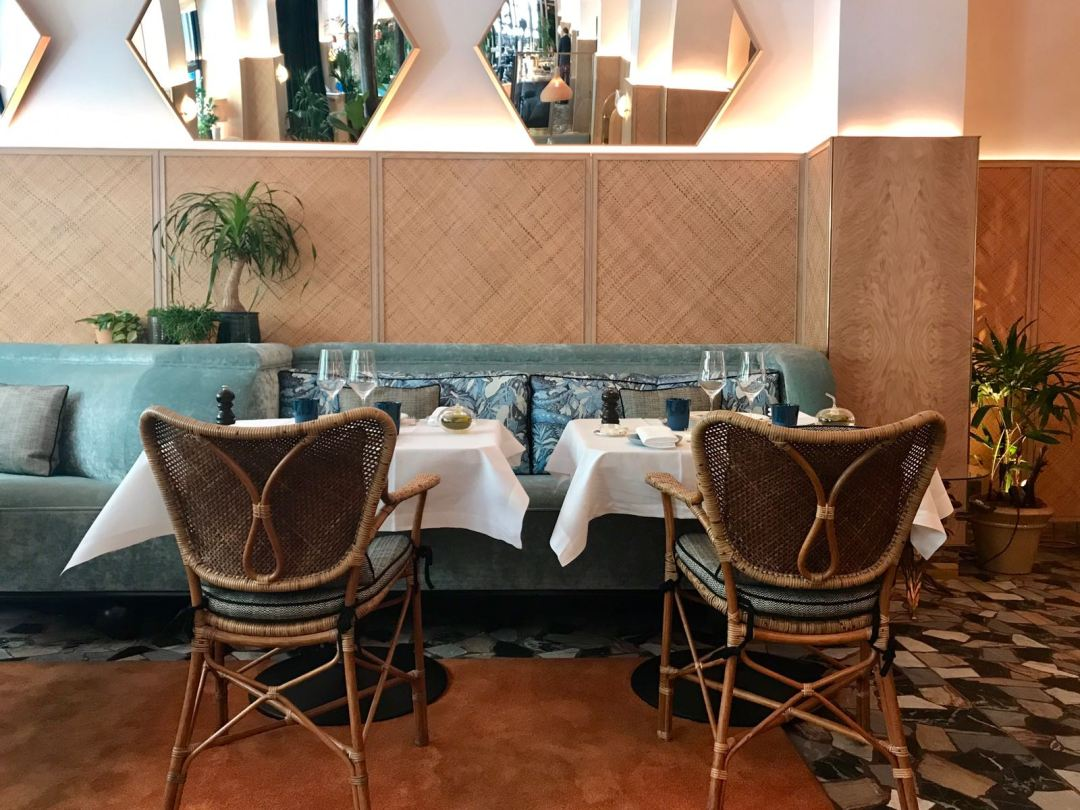 Divellec restaurant de poissons dans un cadre jungle chic for Au jardin restaurant paris