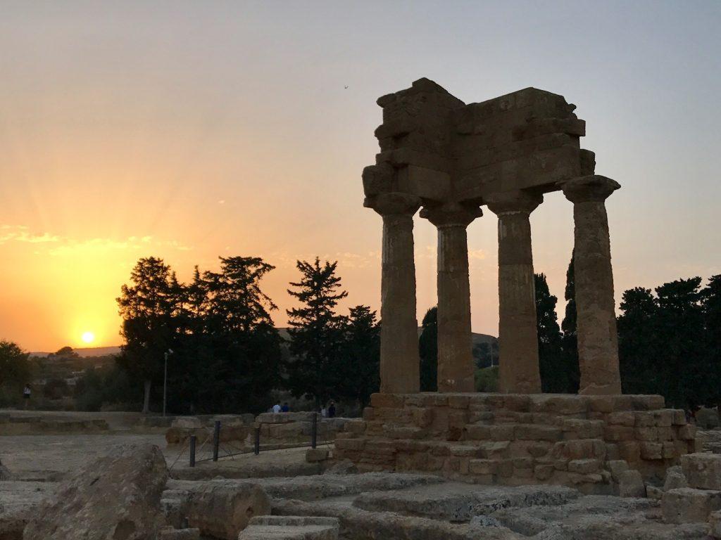 les-exploratrices-roadtrip-sicile-agrigente-vallee-des-temples-sunset-sud de la Sicile