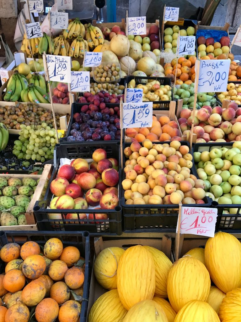 les-exploratrices-roadtrip-sicile-palerme-marche-fruits