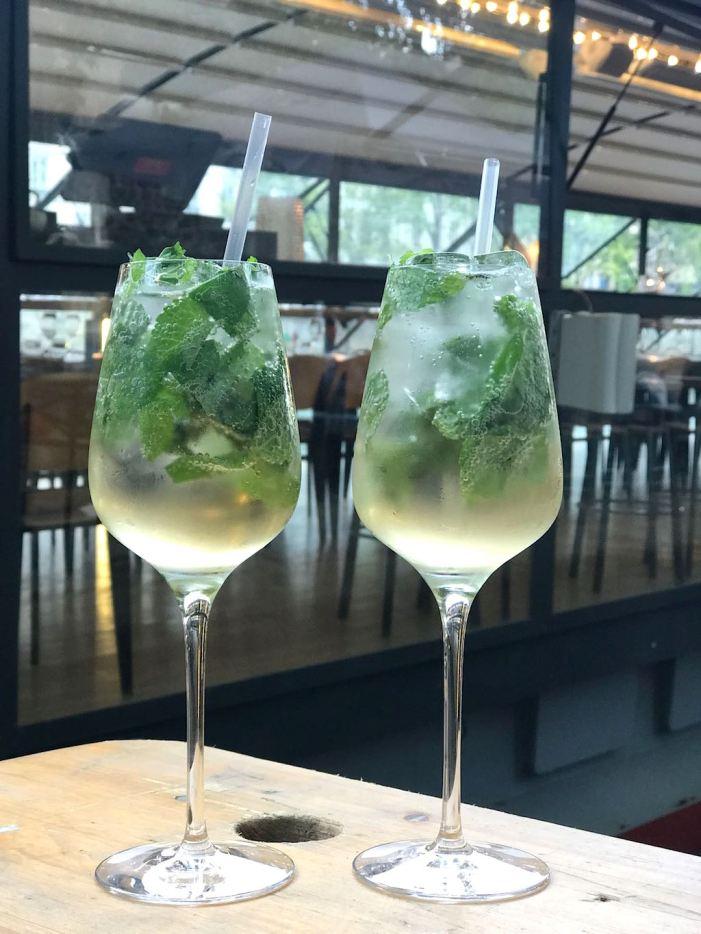 cocktails sur la péniche les maquereaux