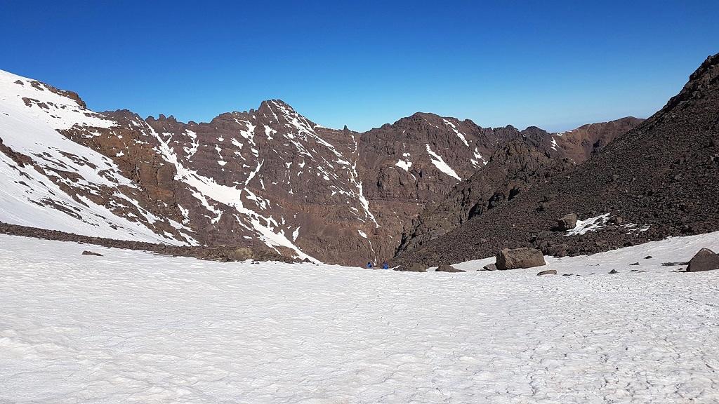 maroc-toubkal-lily-les-exploratrices-sommet-montagne