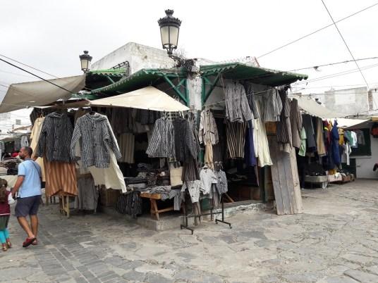 maroc-nord-tetouan-lily-les-exploratrices-medina-vendeur