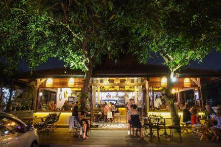 voyage-a-bali-canggu-restaurant-ulekan-exterieur