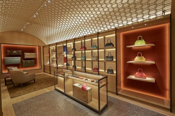 MOYNAT LONDON BOUTIQUE 1