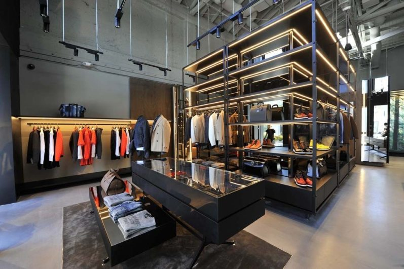 DSQUARED FIRST AMERICAN STORE IN LOS ANGELES 1