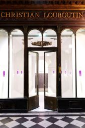 CHRISTIAN LOUBOUTIN BEAUTY FIRST BOUTIQUE IN PARIS 3