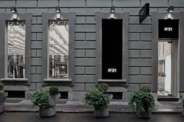 NO. 21 FLAGSHIP STORE IN MILAN