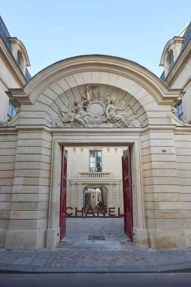 CHANEL NEW EPHEMERAL BOUTIQUE IN PARIS