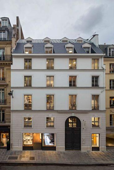 RIMOWA FLAGSHIP STORE IN PARIS