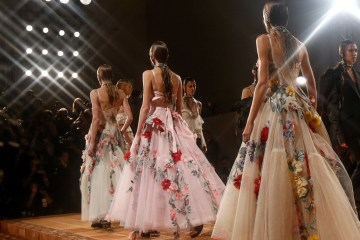 ALEXANDER MCQUEEN SPRING 2018 RTW COLLECTION