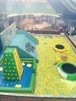 La plus grande piscine à balles que j'aie jamais vue