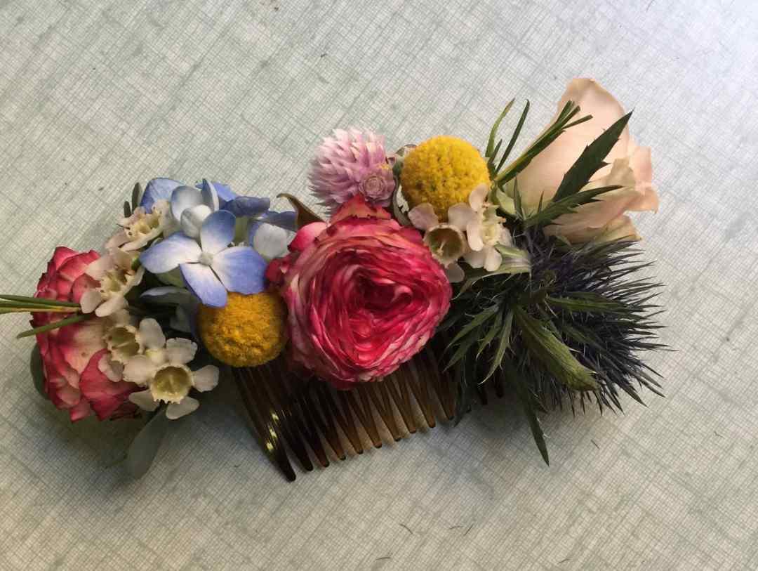 Peigne-fleurs-fraiches-champetre-mariage